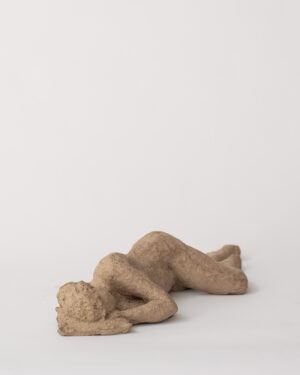 Resting Woman - Sculpture - Pia Hutters